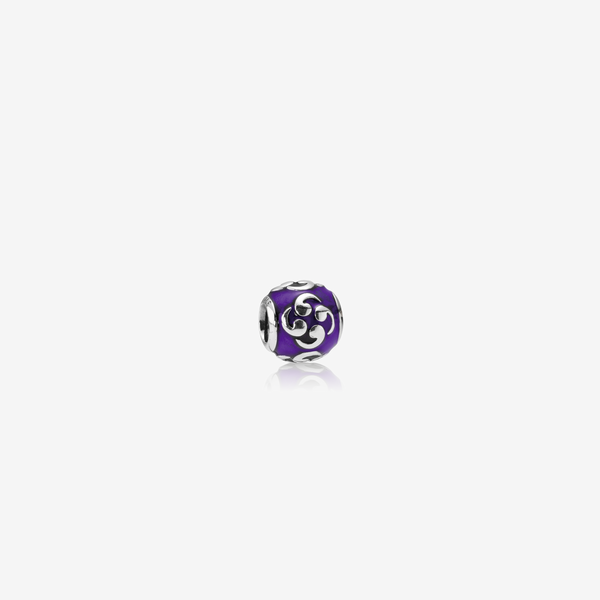 Charm Comma Morado image number null
